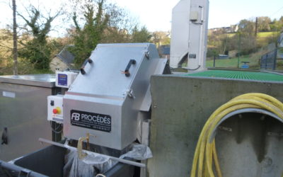 2 screens installed on a WWTP