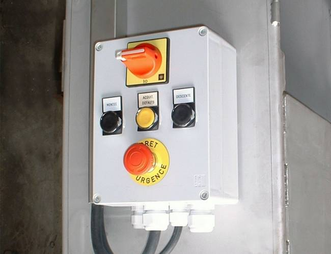 mechanical screw compactor
